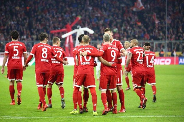 德甲-拜仁3-0奥格斯堡取5连胜 莱万梅开二度